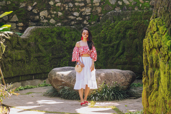 hey pretty thing blogger top skirt shoes sunglasses bag jewels off the shoulder top white skirt round bag shoulder bag slide shoes midi skirt ruffle hem skirt printed top basket bag tie waist skirt off the shoulder crossbody bag