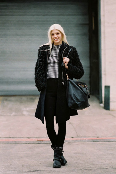 vanessa jackman blogger black coat fuzzy coat winter outfits