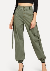 pants,girly,girl,girly wishlist,olive green,cargo pants,joggers,joggers pants,trendy