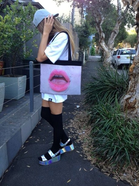 shoes bag snapback holographic shoes over the knee socks tumblr outfit grunge socks lip print holographic girl hat top blonde hair purse cap t-shirt swag tumblr tumblr outfit lips pink white
