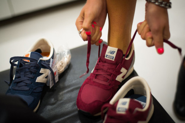 new balance 420 navy and burgundy trainers
