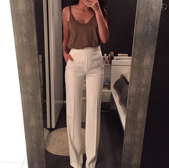 pants white top olive green