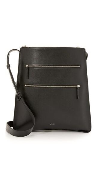 cross zip bag black