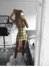 dress,yellow,plaid