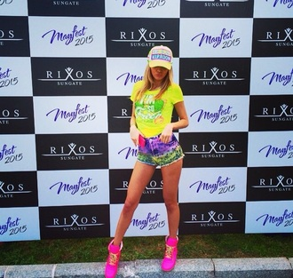 shirt outfit idea neon pink shoes hot pants neon yellow baseball cap