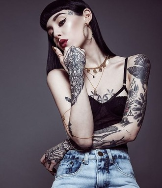 top crop tops hannah pixie snowdon oliver sykes jeans tattoo black fashion cute fall outfits grunge hipster urban girly boho classy bra bralette brandy melville drop dead clothing jewels jewelry indie rock