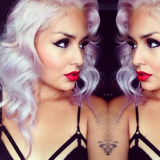 top red lipstick pastel make-up black bralette septum piercing pastel hair pink hair