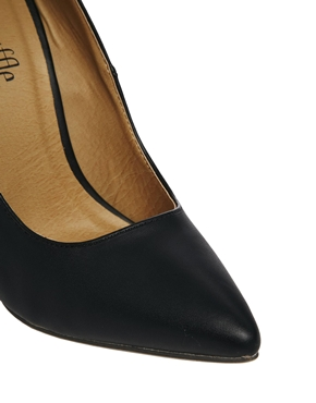 Truffle | Truffle Black Heeled Pointed Shoes at ASOS