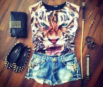 t-shirt belt animal face print shirt animal lion cheetah print rawr pattern cute girly hipster hip vintage retro shoes bag shorts jewels high waisted shorts wanted skirt lion t-shirt cute shorts dolly shoes studs denim shorts denim destroyed tiger shirt tiger short nieten