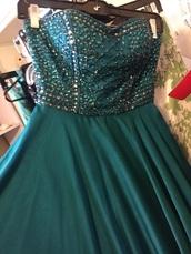 dress,2015 sherri hill prom dresses,emerald green dress,turquoise,sweetheart neckline,embellished top,sparkly prom dress,long prom dress