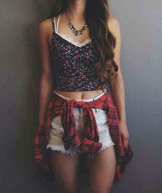 top crop tank top navy floral girly feminine lace sweetheart neckline straps tight sweet cute summer spring tumblr teenagers
