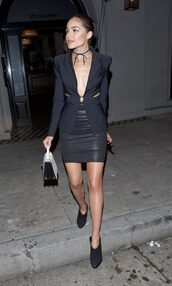jacket,blazer,all black everything,olivia culpo,ankle boots,mini skirt,skirt,choker necklace,shoes,jewels,jewelry,black choker,silver choker,wrap choker,necklace