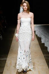 dress,bustier,bustier dress,white,white dress,runway,fashion week,sydney fashion week,sass & bide,gown,prom dress,strapless,maxi dress