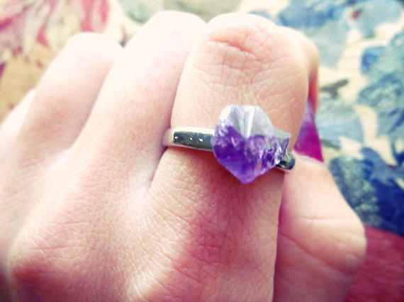 Rough amethyst point silver ring