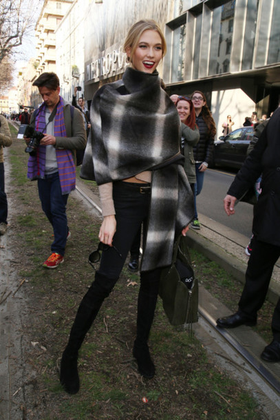 coat cape karlie kloss pants top jeans leggings black leggings jeggings scarf boots