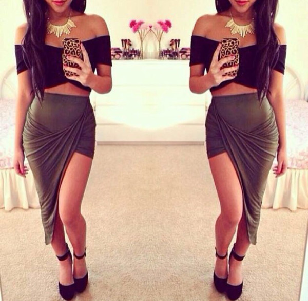 skirt crop tops phone cover necklace shoes shirt