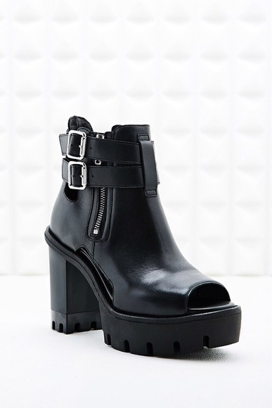 shoes low boots black white ankle boots leather ankle boots shoes black grunge flat black, mesh, see through, exotic, skirt, top, peek a boo, gorgeous rihanna celebrity bodycon black, shoes, leather, cool, boots, ankle boots