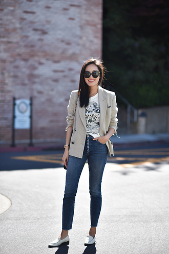 t-shirt tumblr white t-shirt blazer denim jeans blue jeans skinny jeans loafers white shoes sunglasses shoes jacket