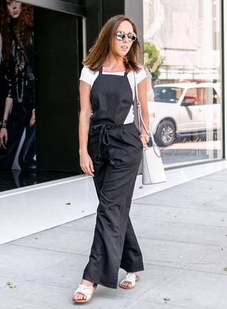sydne summer's fashion reviews & style tips blogger jumpsuit shirt bag jewels shoes sunglasses make-up slide shoes white bag