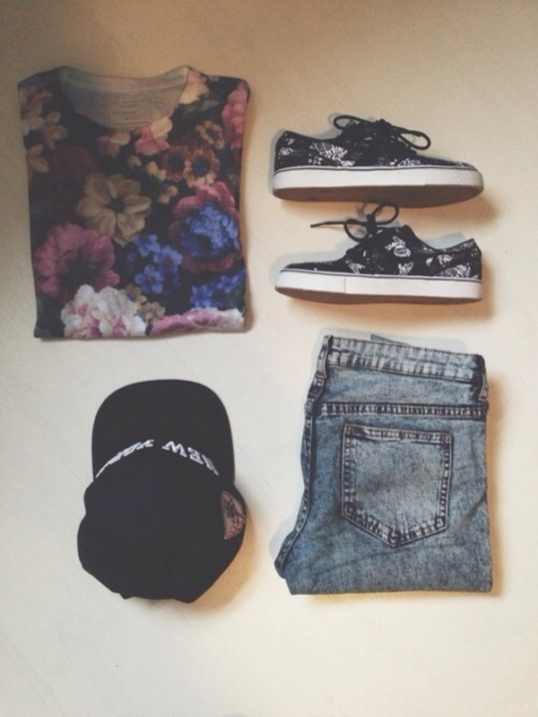 t-shirt floral floral t shirt black shirt shorts shoes