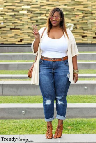 jeans boy friend jeans mirrored aviators blue jeans curvy plus size denim white crop tops kimono cardigan mirrored sunglasses aviator sunglasses plus size jeans lace up heels brown heels shoulder bag ripped jeans