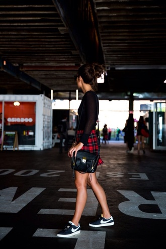 skirt plaid red black shirt crop tops sneakers cute sporty shoes belt bag