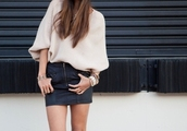 skirt,black,leather,pencil skirt,tight,zip,gold,sweater,baggy,short sleeve,beige,tucked in