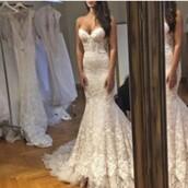 dress,bride,wedding dress,wedding,lace,lace dress,white,white dress,bride dresses,mermaid wedding dress