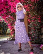 dress,floral dress,floral,midi dress,black sandals,black bag,bag,rectangle sunglasses,black sunglasses,retro sunglasses