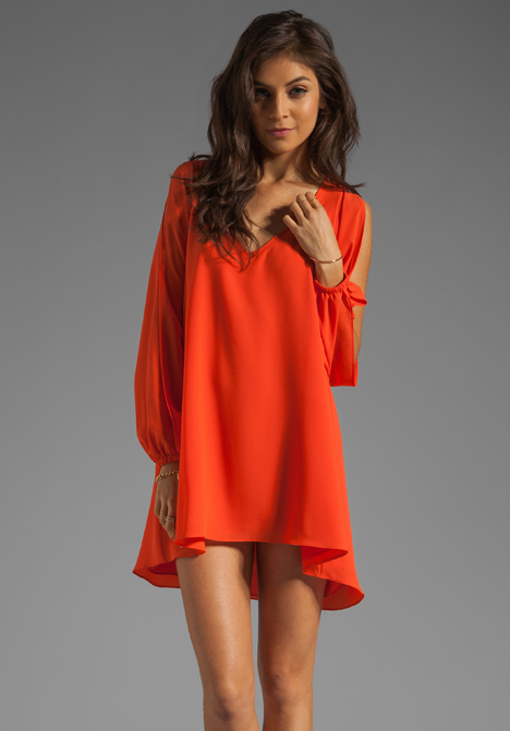 LOVERS   FRIENDS Gracie Dress en Tangerine chez Revolve Clothing - Livraison gratuite!