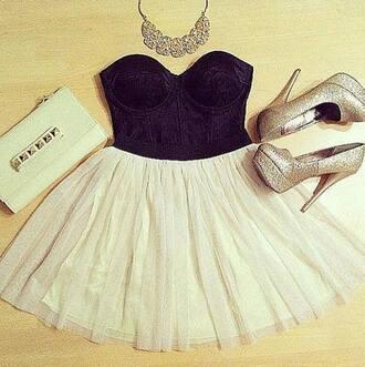 skirt nude skirt top black top bustier black bustier necklace high heels gold high heels