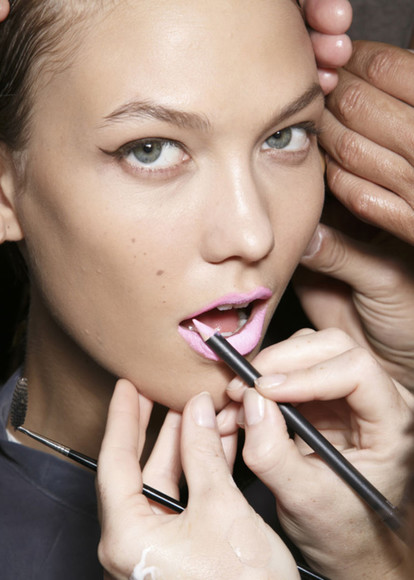 runway make-up lipstick lips lip liner lip pencil eyeliner eye pencil pink bubblegum bright neon mac cosmetics prabal gurung
