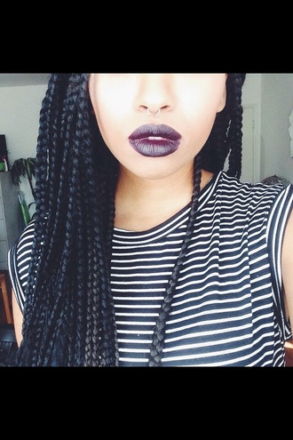 t-shirt lipstick braid stripes