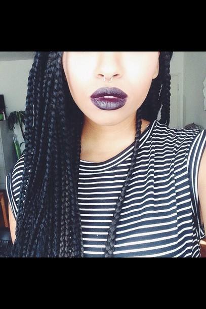 t-shirt lipstick braid stripes