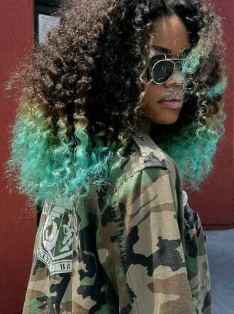teyana taylor curly hair camo jacket hair/makeup inspo red lime sunday jacket black girls killin it