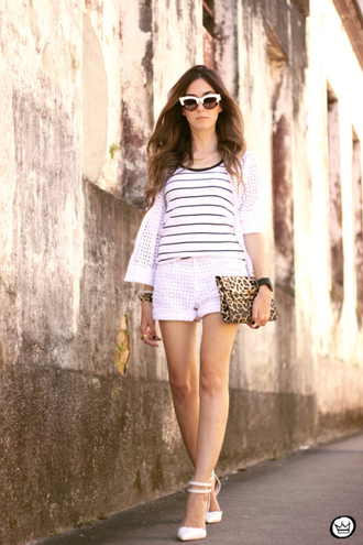 blogger shorts stripes fashion coolture sunglasses white shoes