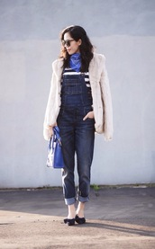 hallie daily,blogger,faux fur jacket,denim overalls,blue bag,bandana print,scarf,t-shirt,coat,bag,beige fluffy coat,white fur jacket