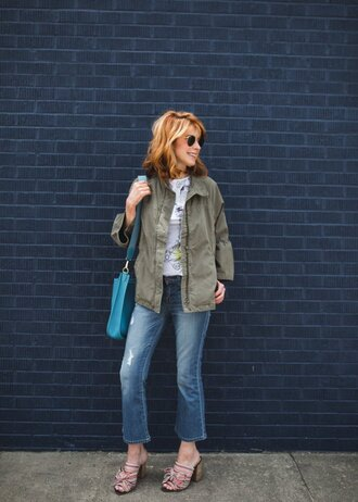 themiddlepage blogger t-shirt jeans jacket bag jewels