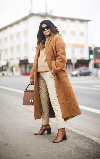 fashionlandscape blogger shoes bag coat pants sweater sunglasses winter outfits ankle boots beige sweater