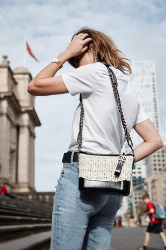 bag chanel gabrielle small hobo bag chanel bag chanel white bag accessory shoulder bag chain bag white t-shirt t-shirt
