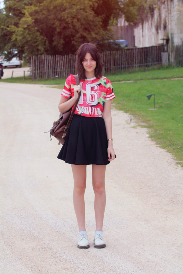 mes memos t-shirt skirt shoes