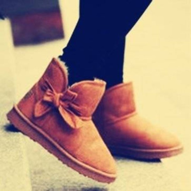 shoes, ugg boots, ugg boots, boots, ankle boots, bows, chestnut, bow, ugg boots, ankle boots, girly, ugg boots, fall outfits, fall boots, teenagers, cute, ...