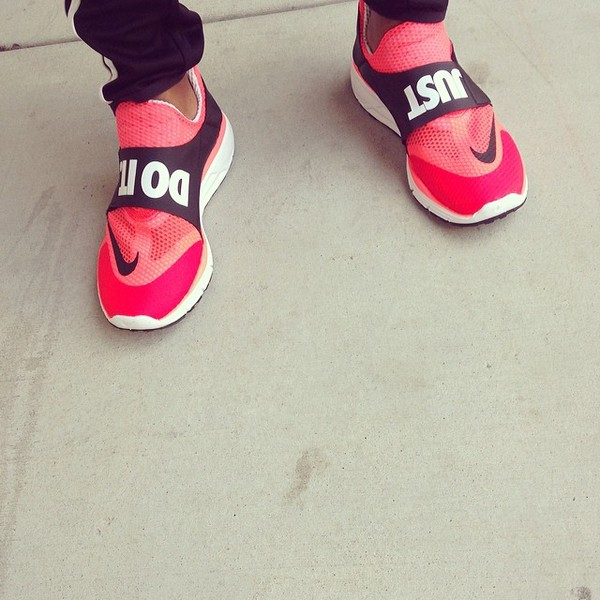 shoes black and white nike just do it coral