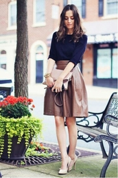 skirt,midi skirt,brown,leather skirt,sweater,blue,blue sweater,shoes,pumps,high heels,heels,nude,nude heels,nude shoes,bag,light pink,clutch,leather