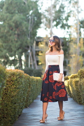 lace and locks,blogger,skirt,top,shoes,jewels,sunglasses,bag,white off shoulder top,white top,long sleeves,off the shoulder,off the shoulder top,clutch,white clutch,white bag,midi skirt,high waisted skirt,floral midi skirt,floral skirt,bow heels,nude shoes,pumps,high heel pumps,spring outfits,girly,round sunglasses,midi floral skirt