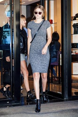 le fashion image blogger sunglasses sweater dress
