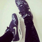 shoes,nike air purple,air max,noir  et blanc,nike,black,white,nike air,one,air one,blue,nikes,air max liberty,nike air max blue,nike running shoes,nike sneakers,nike air force 1,fashion,jeans,shorts,shirt,pink dress,pink sunglasses,piercing,blouse,bleeched,t-shirt,high heels,High waisted shorts,leopard print