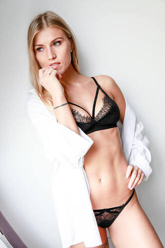 underwear velvet velvet lingerie lingerie lingerie set lace lingerie sexy lingerie black lingerie bralette velvet bralette