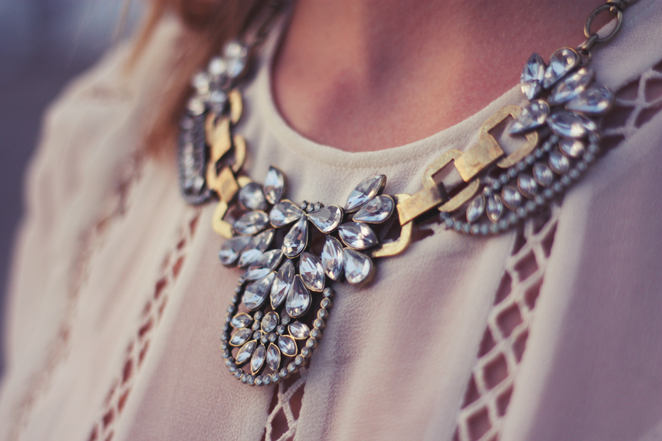 crystal statement necklace | passionsforfashion