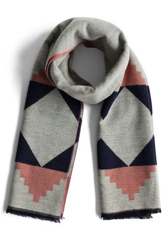 scarf geo fun woolen scarf in grey chicwish grey woolen scarf annemerel blogger